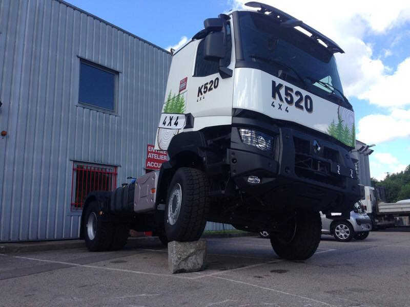 Renault trucks d couvrez le k 520 4x4 association les for Garage de 4x4